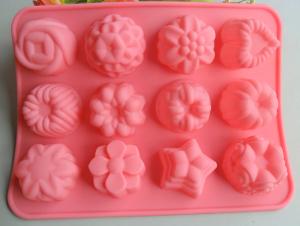 Szokatlan formájú sütemények készülhetnek a szilikon formákkal