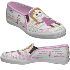 Egy pár supinált cipő
